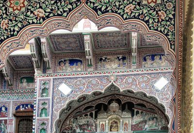 Frescos on Haveli Mandawa